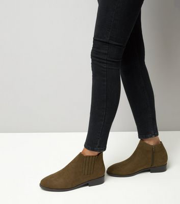 Wide Fit Khaki Suedette Chelsea Boots New Look