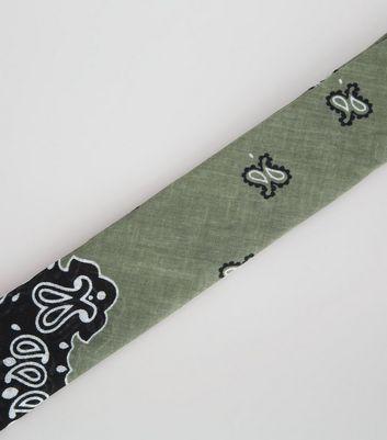 khaki-contrast-paisley-print-bandana