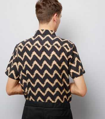 Black Contrast Zig Zag Print Short Sleeve Shirt New Look