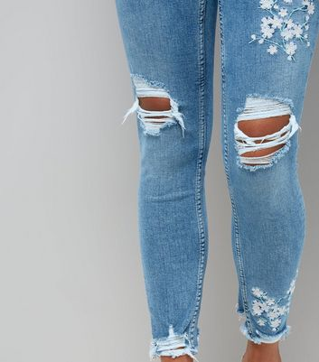 Petite Pale Blue Blossom Embroidered Ripped Leyla Jeans New Look