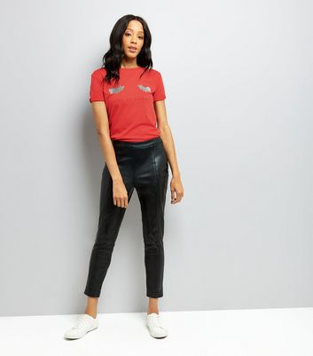 Cameo Rose Red Live To Sparkle Print T-Shirt New Look