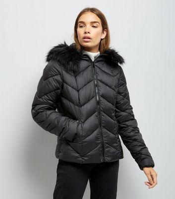 Black Faux Fur Trim Hooded Chevron Puffer Jacket New Look