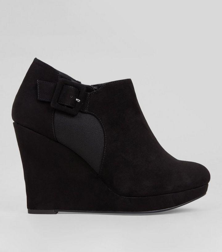 ed79bc1baf0 Wide Fit Black Comfort Suedette Wedge Shoe Boots New Look