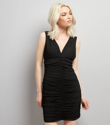 Petite Black V Neck Ruched Bodycon Dress New Look