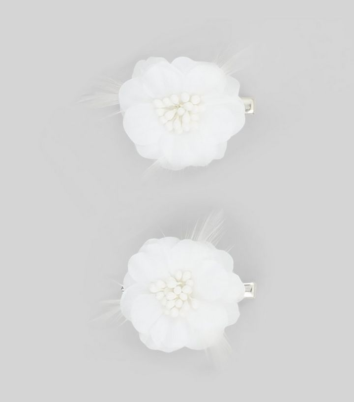 2 Pack White Flower Corsage Hair Clips New Look