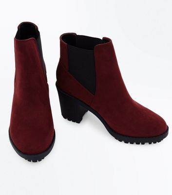 Wide Fit Burgundy Suedette Heeled Chelsea Boots New Look