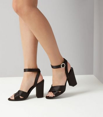 Chaussures en à larges croisées talons blocs à satin bandes noires 2e9WDHYbEI