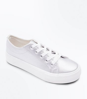 Wide Fit Silver Metallic Flatform Trainers New Look