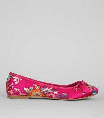 Wide Fit Pink Floral Brocade Ballet Pumps New Look
