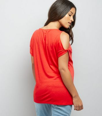 Maternity Red Twist Sleeve Cold Shoulder T-Shirt New Look