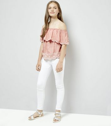 Teens Coral Embroidered Scallop Hem Top New Look