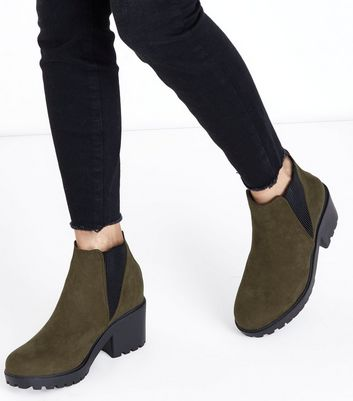 Teens Green Suedette Chunky Chelsea Boots New Look