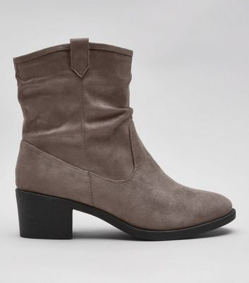 Wide Fit – Graue Slouch Stiefel aus Wildlederimitat