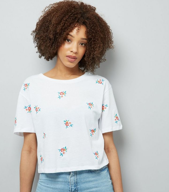 498b63f6 Tall White Floral Embroidered T-Shirt | New Look