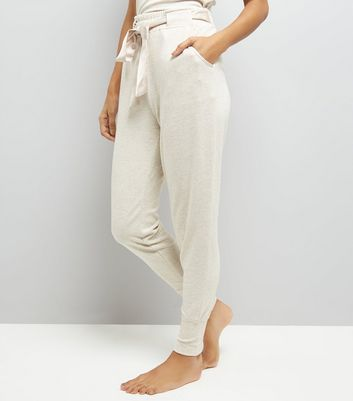 Petite Cream Jersey Satin Belt Pyjama Joggers New Look