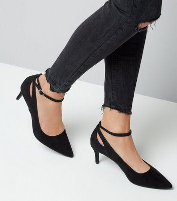 Black Suedette Kitten Heel Pointed Court Shoes New Look