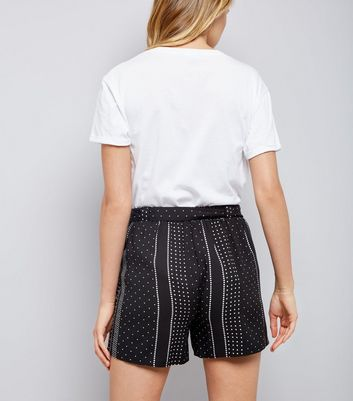 Black Spot Print Tie Waist Shorts New Look
