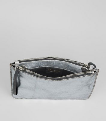 silver-leather-zip-top-cross-body-bag