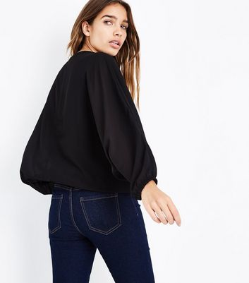 Mela Black Zip Front Batwing Sleeve Top New Look
