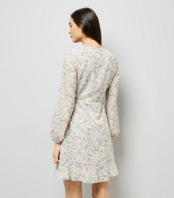 Grey Floral Print Wrap Front Tea Dress New Look