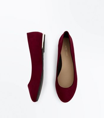 Wide Fit Burgundy Metal Heel Ballet Pumps New Look