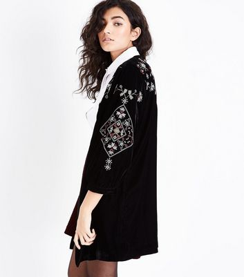 Black Embroidered Velvet Kimono New Look