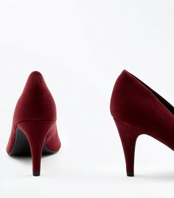Burgundy Suedette Cone Heel Court Shoes New Look