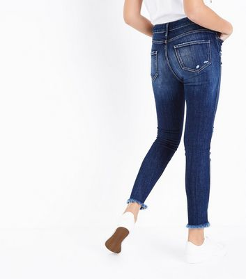 Blue Twisted Fray Hem Jenna Jeans New Look