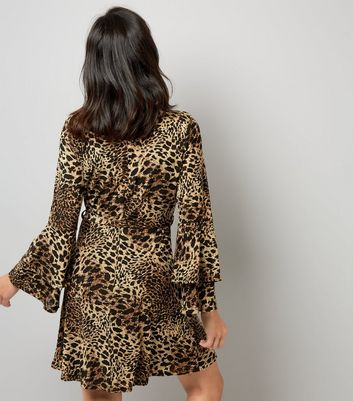 Mela Leopard Print Frill Bell Sleeve Dress New Look