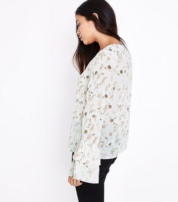 Petite White Floral Print Sequin Embellished Flared Sleeve Top New Look