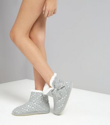 Teens Grey Star Print Slipper Boots New Look