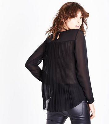 Mela Black Pleated Back Blouse New Look