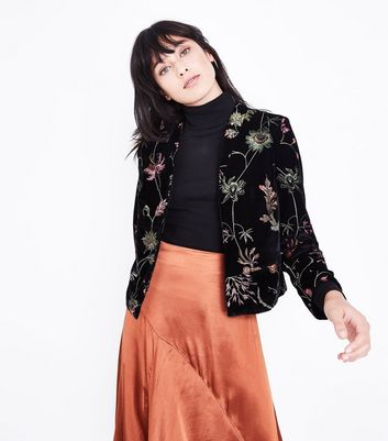 Black Velvet Floral Embroidered Blazer New Look