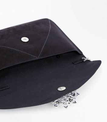 Black Brooch Envelope Clutch Bag New Look