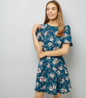 Green Floral Short Sleeve Tea Dress New Look