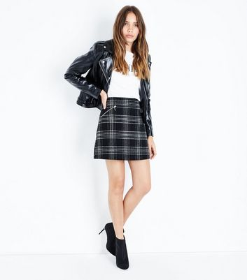 Black Check Zip Pocket Mini Skirt New Look