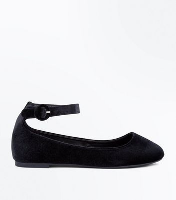 Wide Fit Black Velvet Ankle Strap Pumps New Look
