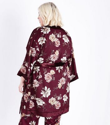 Curves Burgundy Floral Print Satin Kimono Robe New Look