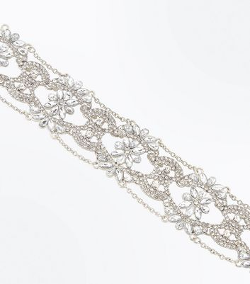 Silver Embellished Flower Chain Choker New Look