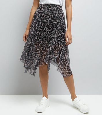 Petite Black Floral Hanky Hem Skirt New Look
