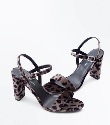 Wide Fit Grey Leopard Velvet Block Heel Sandals New Look