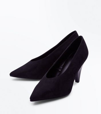 Wide Fit Black Suedette Chunky Cone Heel Courts New Look