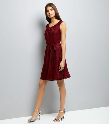 Mela Burgundy Butterfly Embossed Dress New Look