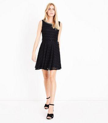 Mela Black Embellished Neck Zigzag Lace Dress New Look