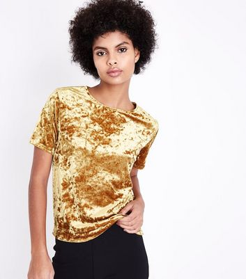 Gold Velvet T-Shirt New Look