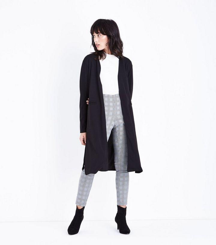 huge discount 367f0 a6372 Mela – Schwarze, leichte Jacke mit Gürtel Für später speichern Von  gespeicherten Artikeln entfernen