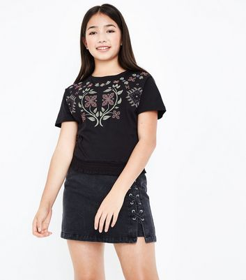 Teens Black Embroidered Shirred Hem T-Shirt New Look