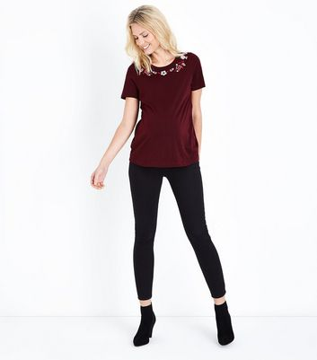 Maternity Burgundy Floral Embroidered Neck T-Shirt New Look