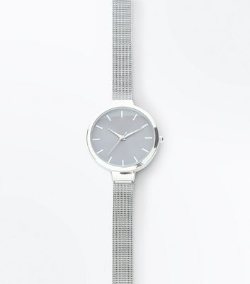Silver Metallic Mesh Strap Analogue Watch New Look