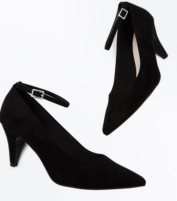 Wide Fit Black Comfort Flex Cone Heel Pointed Courts New Look